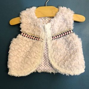 Genuine kids fuzzy vest with lace detail 12-18